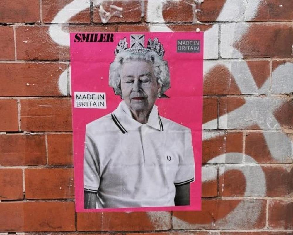 smiler street artist opera muro regina elisabetta